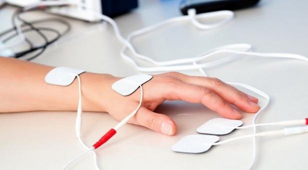 Kúpok az ujjak ízületein - a kezelés okai és módszerei