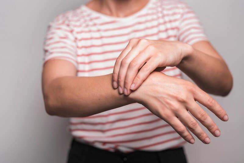 kenőcs a kéz ízületeinek fájdalmára az alsó végtagok artrózisának kezelése