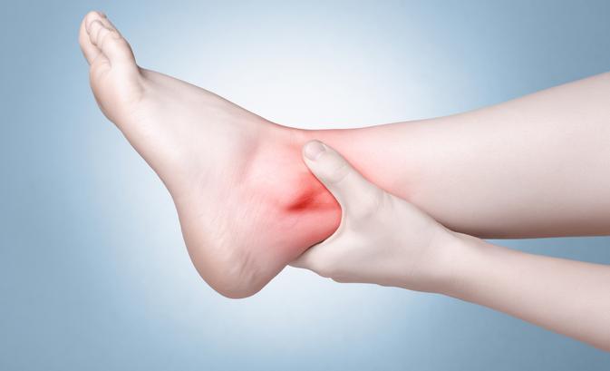 a lábak ízületeinek fájdalma és duzzanata mi a különbség az ízületi gyulladás és az ízületi gyulladás között