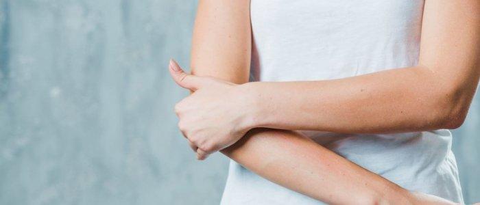 Lassan már dolgozni sem tud a karfájdalomtól? Ezt tegye ellene! - HRDoktor
