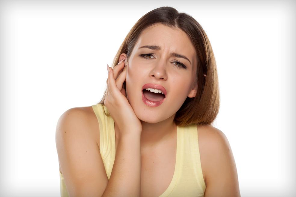 ízületi fájdalom a fül mögött rágás közben kinek kell menni, ha fáj az ízület
