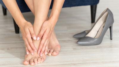 fájdalom mindkét láb csípőízületében
